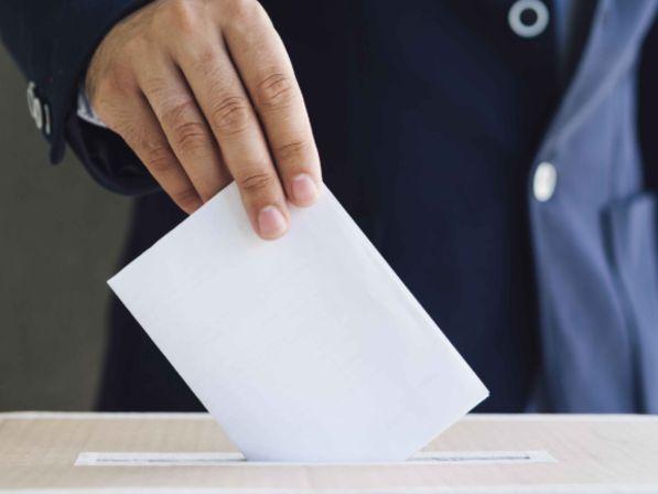 Les Français appelés aux urnes les 15 et 22 mars 2020
