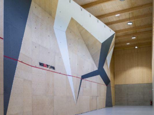Une école d'escalade s'ouvre au Pôle
