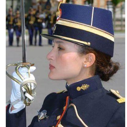 Vignette femme gendarme.jpg