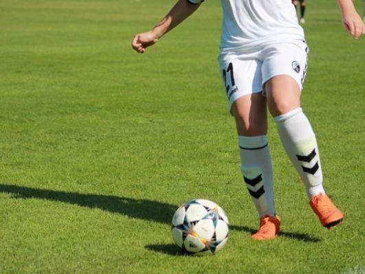 football_Fem.jpg