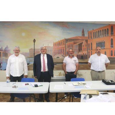 le maires et ses adjoints.JPG
