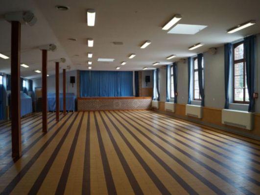 Salle des fêtes intérieur.JPG