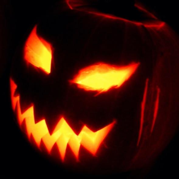 Jack-o_-Lantern_2003-10-31.jpg