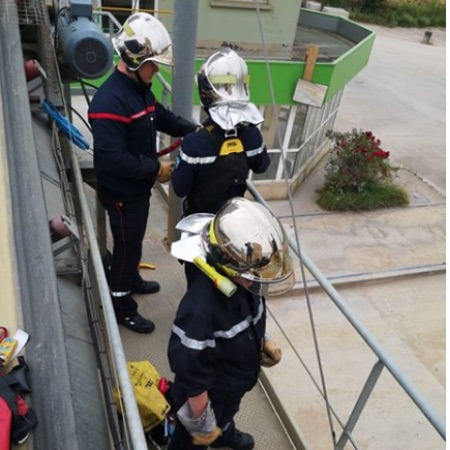 Pompiers1 sur echaffaudage.jpg