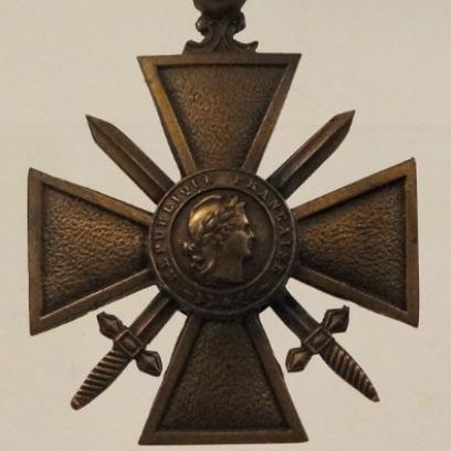 1024px-Croix-De-Guerre-Francis-Browne.jpg