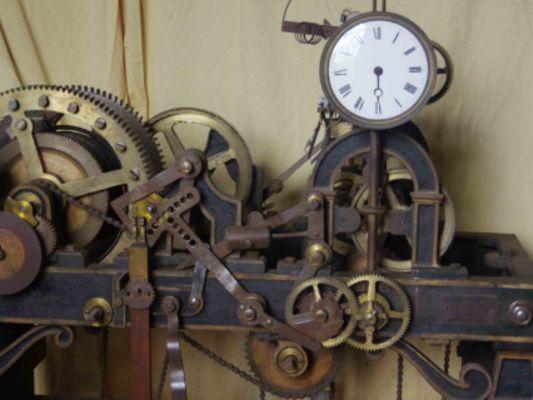 Travaux anciens mécanisme de l'horloge de l'église