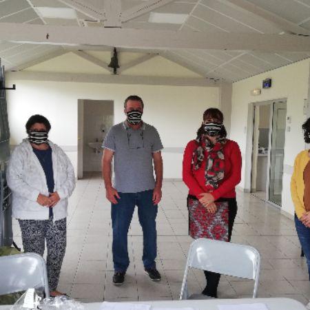 deuxième équipe distribution masque.jpg