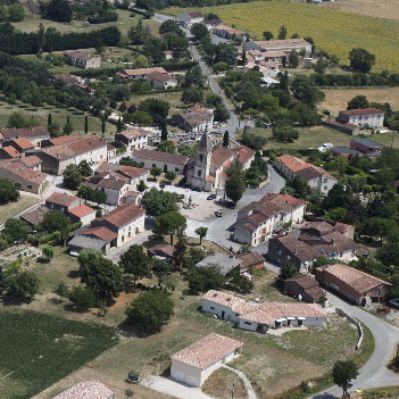 Fréjeville - Village 1.jpg