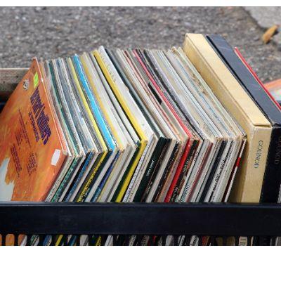 vinyl-2397021_1920.jpg